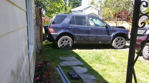 Parts for Mercedes.. Engine... Tranny... Transfer case all good for Sale in Seattle, WA