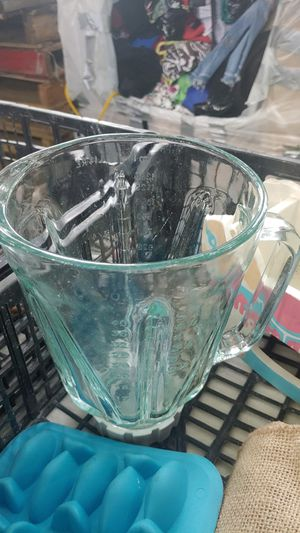 Glass pitcher for blenders $5 for Sale in Stockton, CA