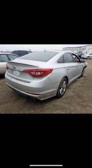 2015-2017 Hyundai sonata for parts for Sale in Joliet, IL