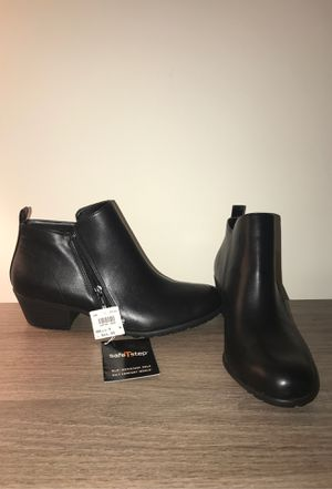SafeTstep women's Boots Size 9 NEVER WORN for Sale in Alexandria, VA