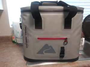 Ozark Trail 30 can leak-tight cooler with heat welded body. for Sale in Murrieta, CA