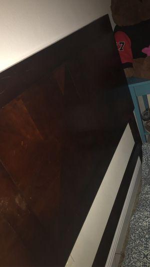 Queen bed frame (NO Slats) for Sale in Melbourne, FL