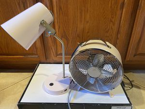 Vintage table lamp / fan for Sale in Montebello, CA