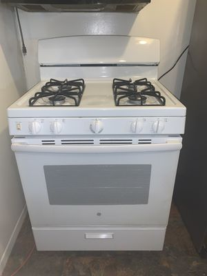 General Electric Stove for Sale in Littlerock, CA