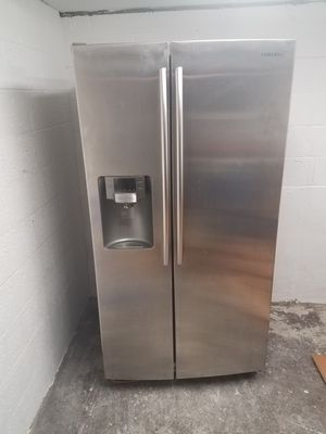 Samsung refrigerator for Sale in ARSENAL, PA