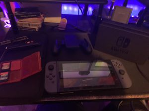 OG NINTENDO SWITCH - 32GB, Hac-001 Comes with 3 games, case, screen protector for Sale in Wichita, KS
