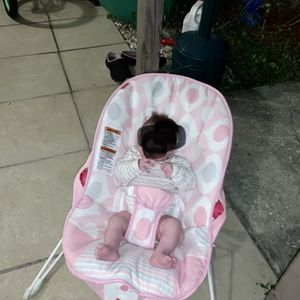 Fisher-Price Deluxe Bouncer: Pink Ellipse for Sale in Tarpon Springs, FL