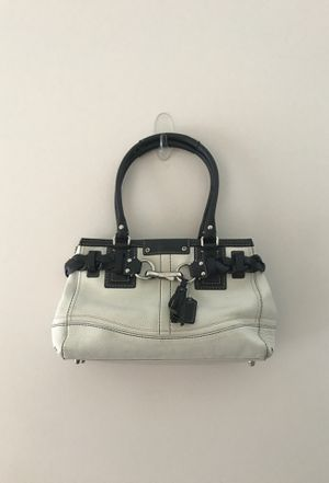 White leather coach bag for Sale in Chantilly, VA