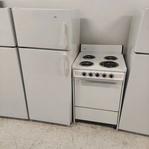 Roper Top And Bottom Refrigerator And Hotpoint Stove Use Good Condition 90days Warranty for Sale in Washington, DC