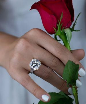 Vintage 925 Sterling Silver Created Moissanite Wedding Engagement Ring for Sale in Wichita, KS