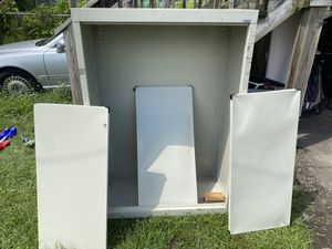 "Metal cabinet with 4 shelves 3x5x 16"" for Sale in Chicago, IL"