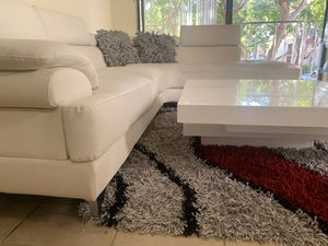 **FREE** White Leather Sectional Sofa for Sale in Miami, FL