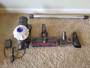 Dyson V6 vacuum for Sale in Aloha, OR