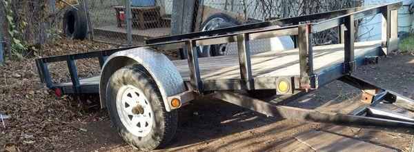 Utility trailer tilt accessible