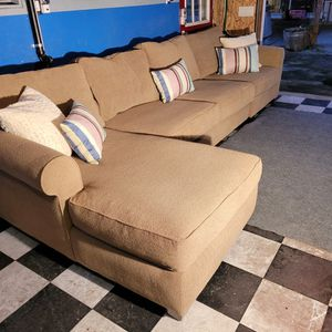 Excellent Sectional Couch for Sale in Renton, WA