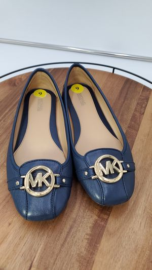 Michael Kors blue size9 shoes for Sale in Lake Stevens, WA