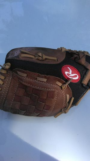 """11"""" Rawlings Youth Baseball Glove for Sale in Waxahachie, TX"""