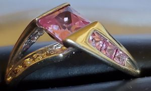 Beautiful 10k white gold w pink sapphire and diamond for Sale in Coalville, UT