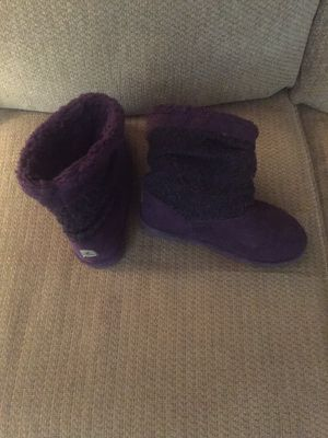 Nice! Warm —- Girl's Bear Paw Plum Boot's for Sale in Philadelphia, PA