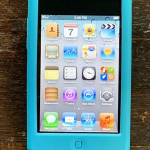 iPod Touch 3 (32 GB) + Extras for Sale in Danville, CA