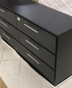 Black dresser new~cómoda~ gabetero negro nuevo (black or white) for Sale in Miami,  FL