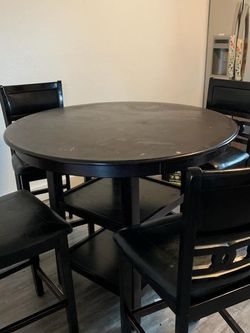 Barstool Table With 4 Chairs for Sale in Federal Way,  WA