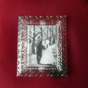 New Mikasa Crystal Picture Frame For 3 1/2X5 Picture for Sale in Hydes, MD
