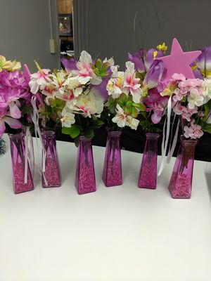 6 vases with Flowers for Sale in Medina, OH