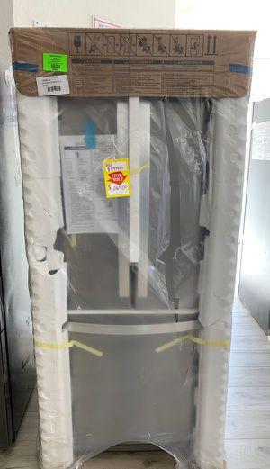 Whirlpool apartment refrigerator!! Brand new still in original packaging!! WRF560SEHZ V Q0R for Sale in Santa Fe Springs, CA