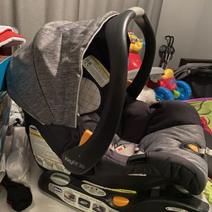 Car Seat Keyfit30 Chicco for Sale in Las Vegas, NV
