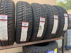 235/75/15 hwy tire for Sale in Arlington, TX