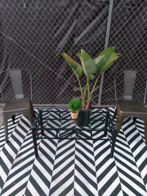 Patio Chairs and Glass Coffee Table ( Outdoor Furniture ) for Sale in Los Angeles, CA
