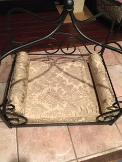 Iron Pet Bed for Sale in Macomb, MI