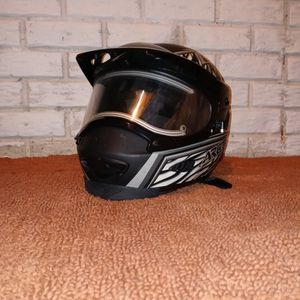 Medium Arctic Cat Snowmobile Helmet W/ Heated Shield for Sale in Swartz Creek, MI
