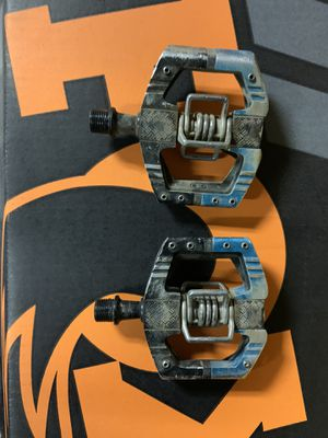 Mountain bike pedals for Sale in Concord, CA