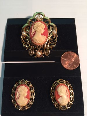 Cameo Brooch & earring s set new for Sale in Rockville, MD