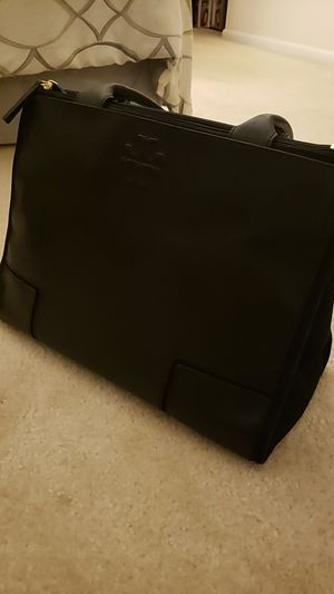 Tory burch leather bag for Sale in Woodbridge, VA