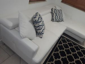 BRAND NEW SECTIONAL LEATHER WHITE IN L. DELIVERY FREE for Sale in HALNDLE BCH, FL
