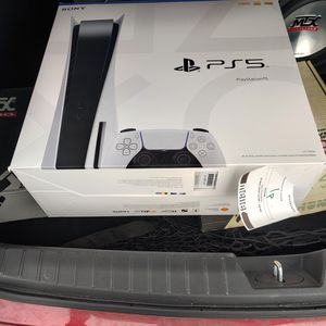 PS5 with disc for Sale in Ypsilanti, MI