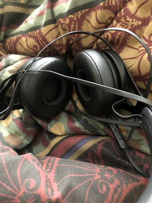 Beats By Dr.Dre Ep headphones black for Sale in Gulfport, FL