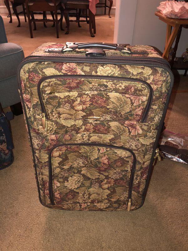 Luggage Set Pierre Cardin 3 pc set