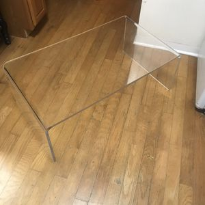Clear Acrylic Coffee Table for Sale in Saint Petersburg, FL