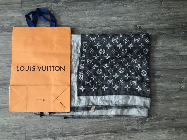 Louis Vuitton Scarf/shawl