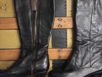 Women's Leather Boots Size 8 for Sale in Lynnwood,  WA