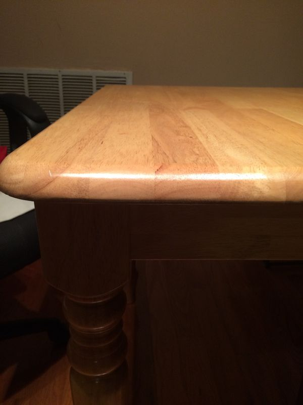 Almost new dining table. Extended
