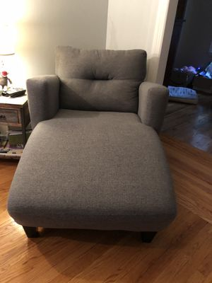 New - Chaise Lounge, Grey for Sale in Seekonk, MA
