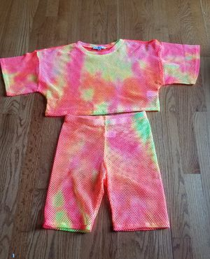 LOVE J 2 Piece top and shorts set (S) for Sale in Smithville, MO