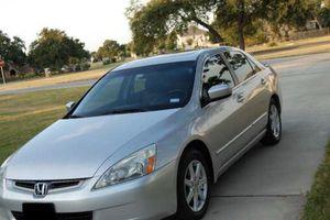 Nice sedan2004 Honda Accord for Sale in Baton Rouge, LA