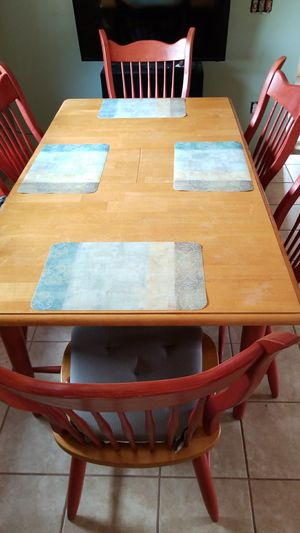 Nice kitchen table/ not perfect for Sale in Aurora, OR