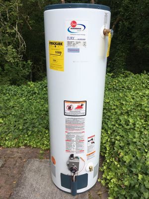 GAS HOT WATER HEATER for Sale in Milwaukie, OR
